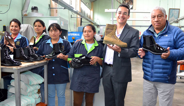 """6b8062c5 """"En un mes estará lista la catalogación electrónica para que el Estado  compre calzado de fabricantes ecuatorianos"""", así lo anunció el director  general del ..."""
