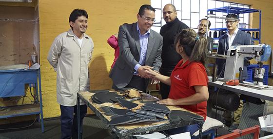 71234ce1 SERCOP reitera su compromiso con el productor ecuatoriano de calzado ...